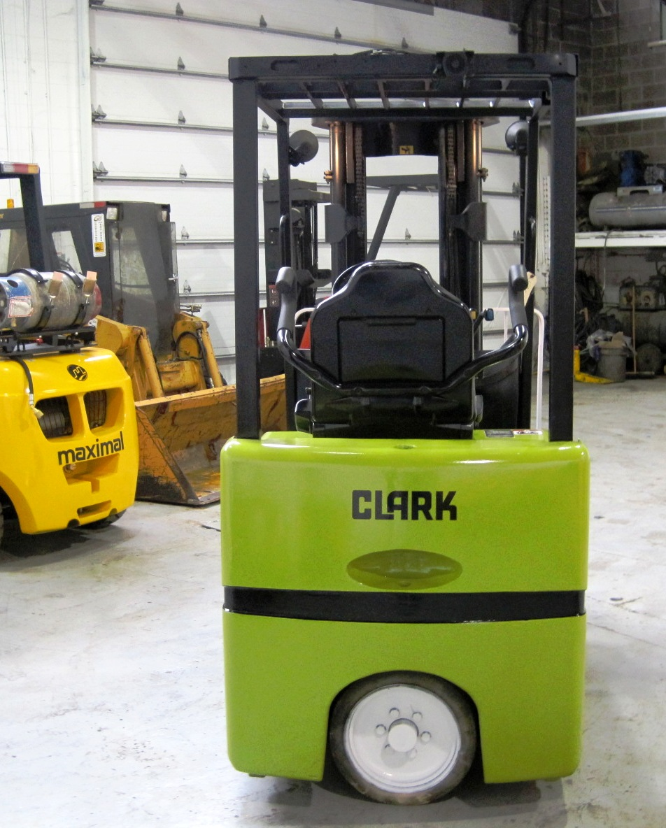 Three wheel electric sit down forklift 2.5 ton capacity - Back
