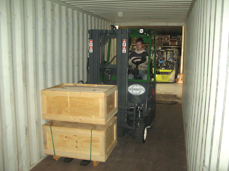Compact multi-directional forklift - front