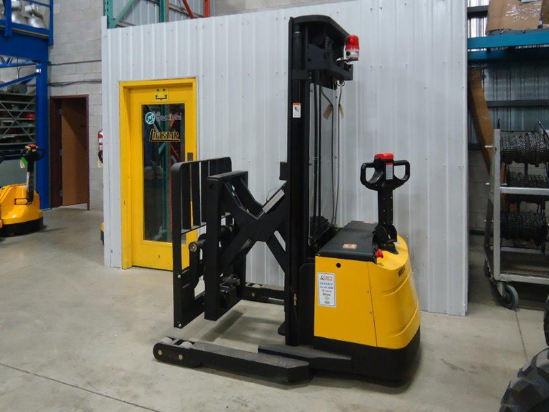 Heavy duty electric stacker reach W-85 - Side/Back