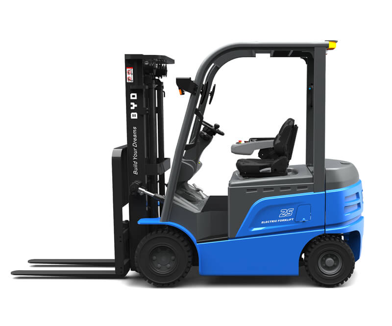 Four wheel sit down electric pneumatic forklifts - Side